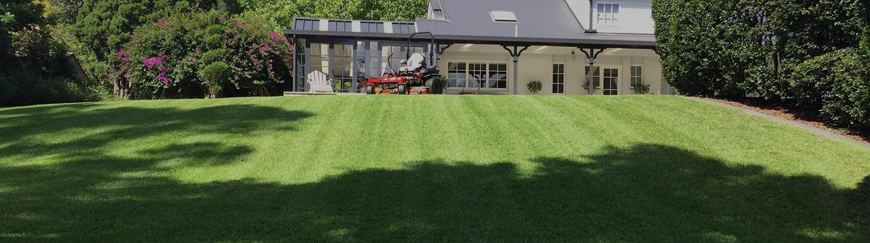 http://www.mowingandgrowing.com.au/images/slides/home/slide1.jpg